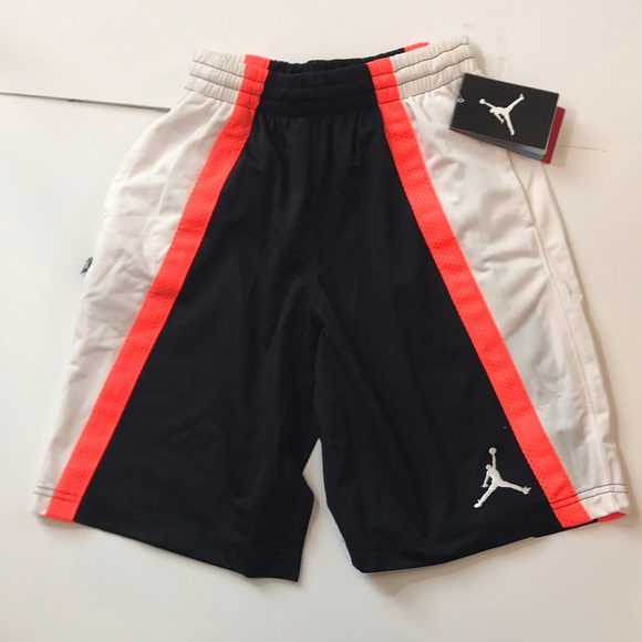 56bad1cfb00a Nike Jordan basketball shorts Boys D38-40